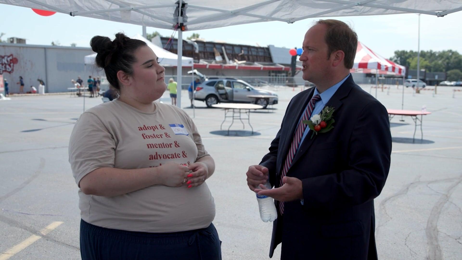 katlyn giberson interviewing reynoldsburg mayor joe begeny